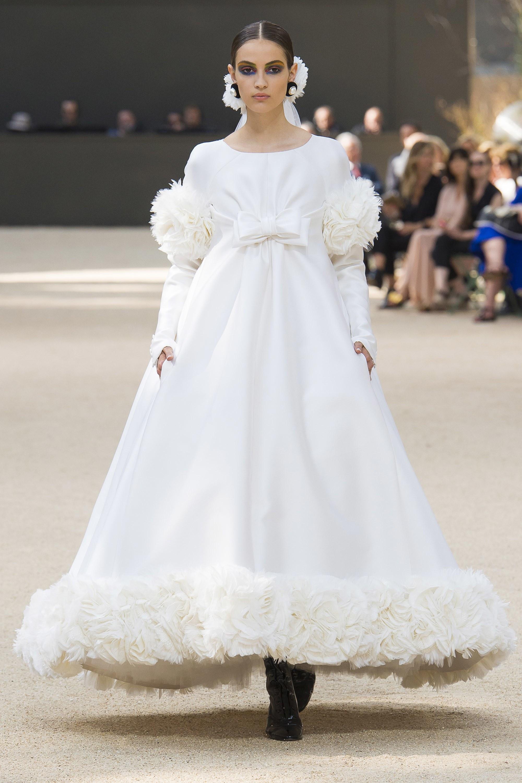 Karl Lagerfeld, el káiser de la moda y sus mejores vestidos de novia