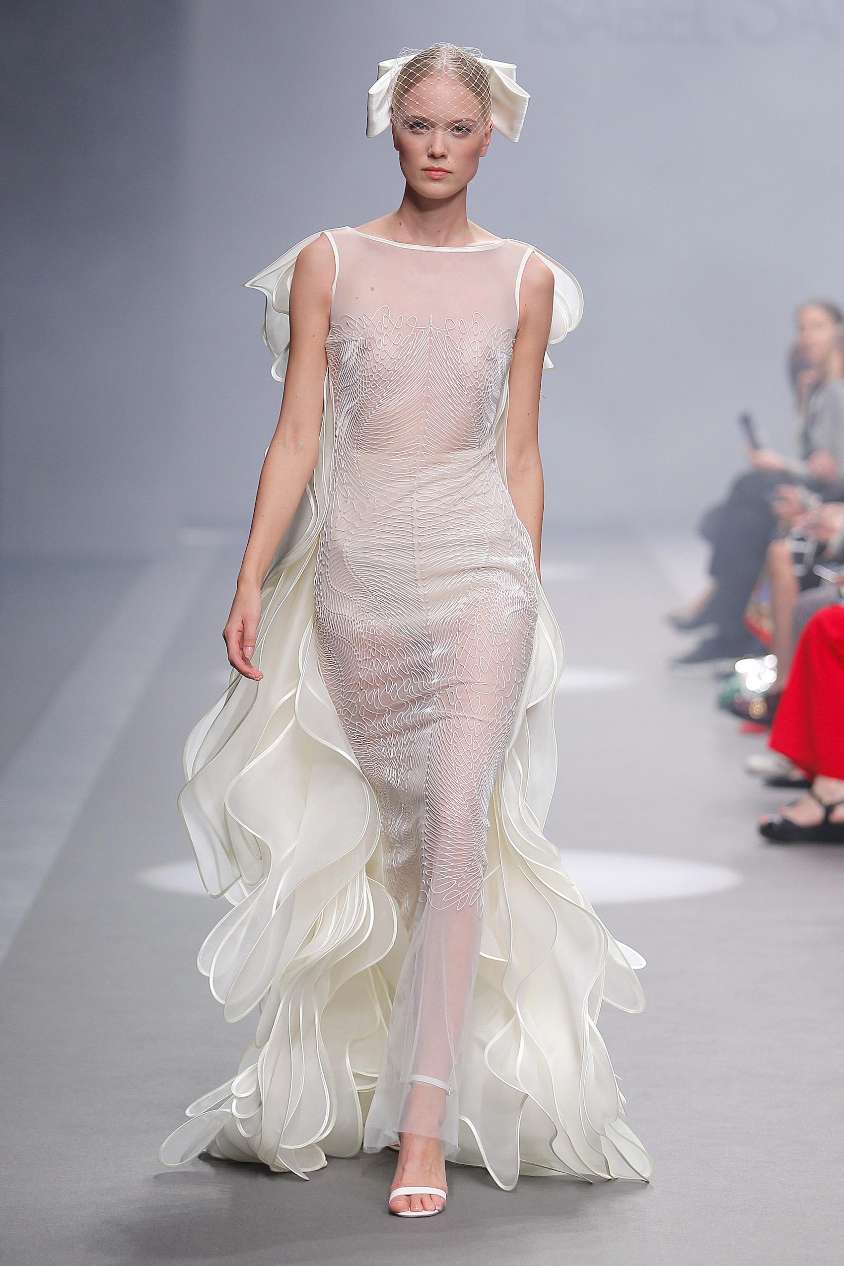 Vestidos de novia Isabel Sanchis 2020