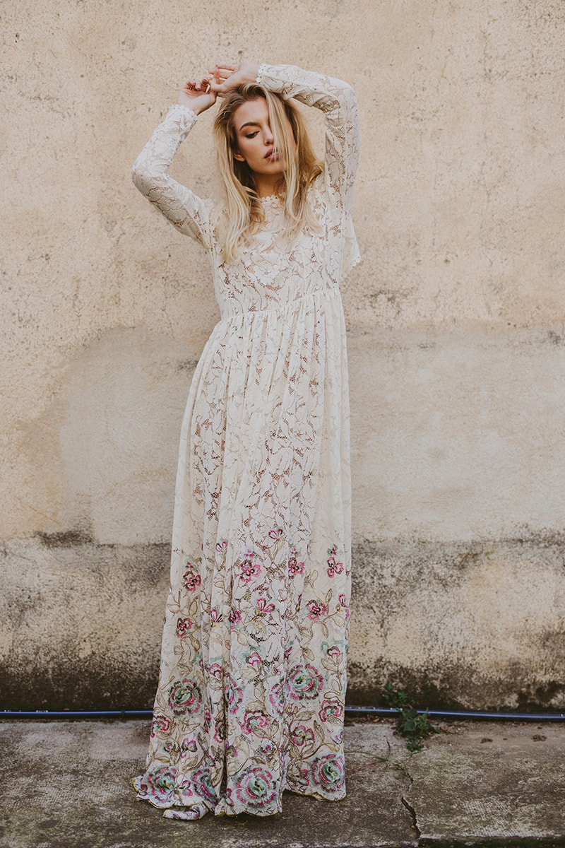 Vestidos de novia con bordados y aplicaciones de lujo